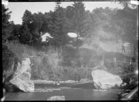 Taumatawharangi Homestead on Darrows Station, Te Akau, near Raglan, 1910 - Photograph taken by Gilmour Brothers