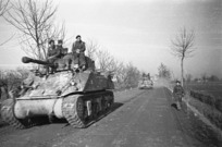 Kaye, George, 1914- : NZ Sherman tanks on the sector of the Italian front near the Lamone River, gateway to Faenza, on the main highway to Bologna