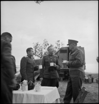 General Freyberg talking with Russian military observers in Italy, World War II - Photograph taken by George Kaye