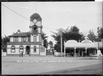 Post Office and town clock at Cambridge, circa 1913-1915