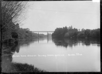 Waikato River at Hamilton, showing the railway bridge, circa 1910s