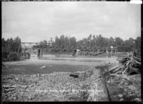 View of the Matapuna Bridge on the North Island Main Trunk Line, across the Whanganui River near Taumarunui