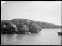 Te Rimu, Raglan Harbour, 1910 - Photograph taken by Gilmour Brothers