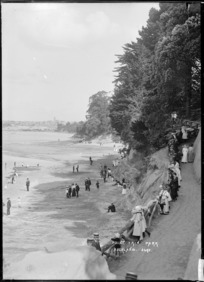 People on Shelly Beach, Auckland