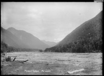 Maruia Gorge and riverbed