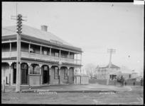 Waipa Hotel and Jesmond Street, Ngaruawahia, 1910 - Photograph taken by Robert Stanley Fleming