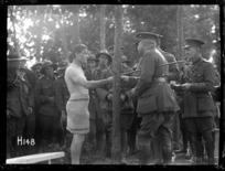 Brigadier General Braithwaite presenting a prize at the New Zealand Division water sports, World War I