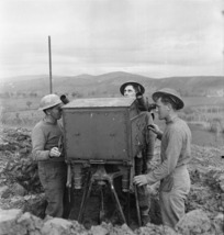 Soldiers operating a Bofors predictor attached to a New Zealand AA Post on the Italian Front, World War II
