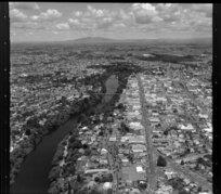 Looking down Victoria Street, with Claudelands Bridge over Waikato River, Hamilton