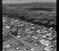 Central Hamilton, with Claudelands Bridge over Waikato River (centre) and Jubilee Park (top right)