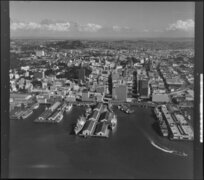 Auckland wharves and shipping