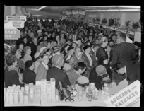 Celebrity, Selwyn Toogood, with a crowd of shoppers, at the opening of the new store Self Help, Lambton Quay, Wellington