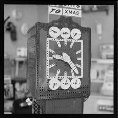Meccano clock