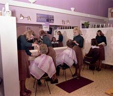 Women's hairdresser