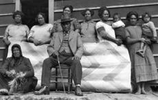 Rua Kenana and his family