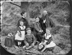 Unidentified colonial family