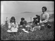 Godber family picnicking