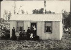 Unidentified family, Utuwai