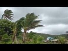 Raw footage: Cyclone Winston closes in on Fiji