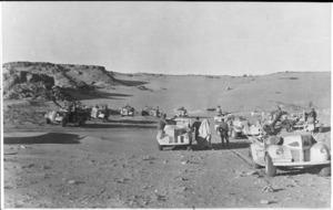 LRDG patrol halted in the desert, Libya