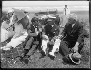 Lord Jellicoe picnicking at 90 Mile Beach