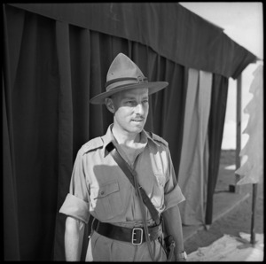 2 Lt F E McCallum, O I/C Kiwi Concert Party, Egypt