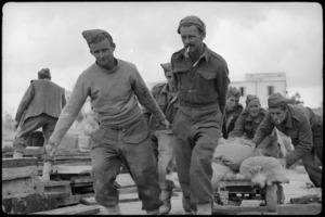 New Zealand Engineers construct wharf in Tobruk, World War II