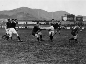 Robson, Edward Thomas fl 1920s-1940s? :A rugby match underway at Athletic Park in Wellington