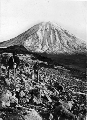 Ross, Malcolm :Mt Ngauruhoe