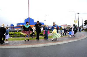 Photographs of 2002 Santa and Christmas Parade, Greymouth