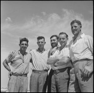 NZ merchant seamen visit NZ Base Camp at Maadi, World War II