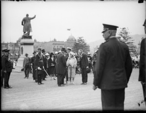 Scene in Parliament grounds, Wellington, during a reception for the Duke and Duchess of York