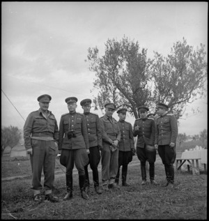Russian military observers with General Freyberg and Colonel Hanson in Italy, World War II - Photograph taken by G Kaye