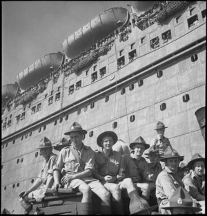 Group of 10th reinforcements arriving at Port Tewfik, World War II - Photograph taken by M D Elias