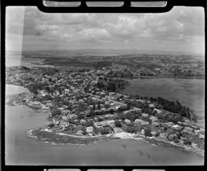 Thorne Bay and Lake Pupuke, Takapuna, North Shore City