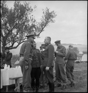 General Freyberg talking with Russian military observers, Majors General Vasiliev and Solodovnick, in Italy, World War II - Photograph taken by George Kaye