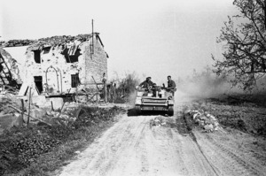 Kaye, George, b 1914 : NZ Bren carrier during the advance across the Senio River, Italy, World War 2