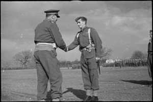 General Freyberg congratulates Lance Corporal M H Crockett, MM, after decorating him, Volturno Valley, Italy, World War II - Photograph taken by George Kaye