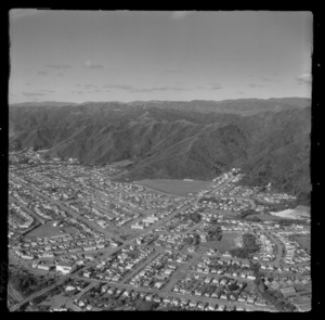 Lower Hutt City and the suburb of Waiwhetu with Whites Line East road and Te Whiti Park, with Waterloo beyond, Hutt Valley, Wellington Region