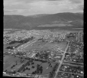 Heretaunga College and Ward Street in foreground looking to Trentham and the Hutt River beyond, Upper Hutt Valley, Wellington Region