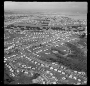 Mount Roskill with unidentified roads, looking to Auckland City