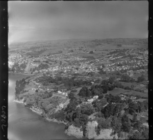 Howick, Auckland, showing cliffs