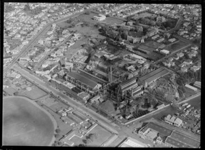 Auckland Gas Company Works on Beaumont Street, Victoria Park and Westhaven Drive with harbour area, with College Hill Road beyond, Auckland City
