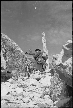 Machine gunner on the Cassino battlefront, Italy - Photograph taken by George Kaye