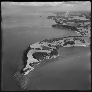 Mullet Point, Auckland, with Scandretts and Martins Bays