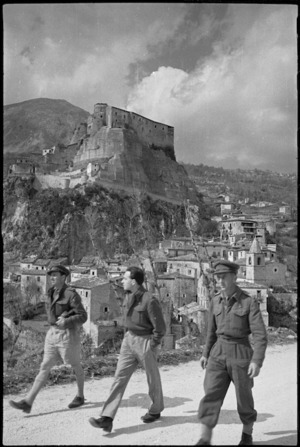 Village of Cerro showing the ancient stone castle overlooking the houses, Italy - Photograph taken by George Kaye