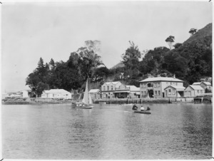 Kohukohu Harbour and buildings on the waterfront