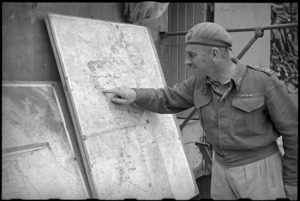 Brigadier Cyril Weir consults artillery plan in the Volturno Valley area, Italy, World War II - Photograph taken by George Kaye