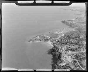View to the coastal settlement of Castor Bay, Takapuna, Auckland City