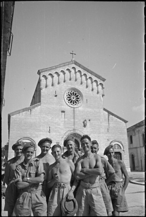 Group of New Zealand soldiers in front of principal church of Sora, Italy, World War II - Photograph taken by George Kaye